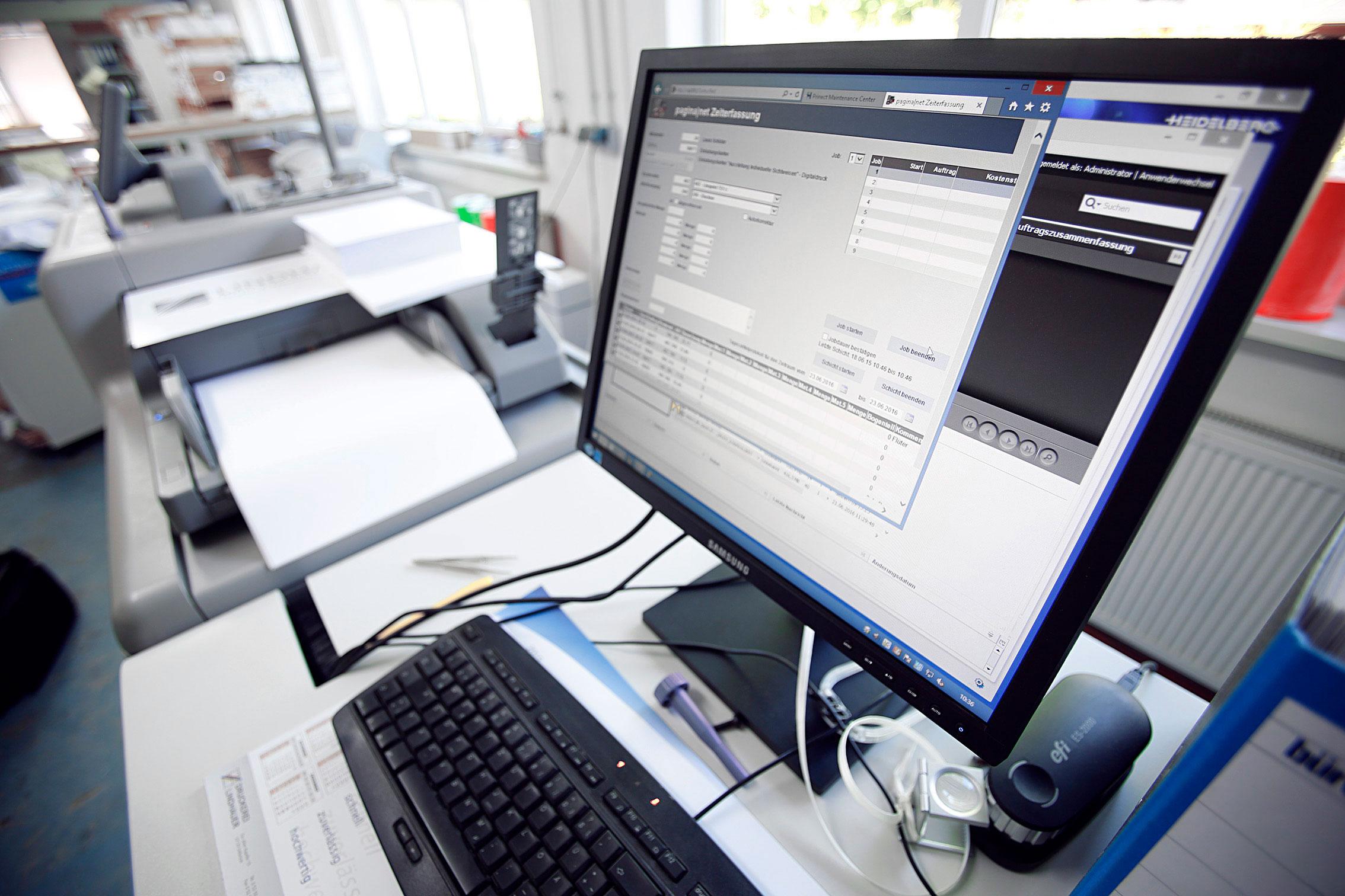 druckerei_lindhauer_druck_medien_produktion_digitaldruck_computer_paderborn